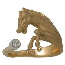Horse Ring in 14 Karat Yellow Gold