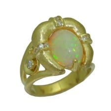 Opal Ring in 18 Karat Yellow Gold