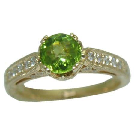 Peridot Ring with 0.26 cttw. Diamonds