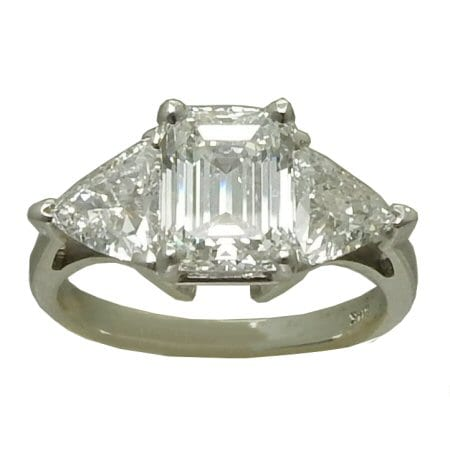 3.14 cttw. Diamond Engagement Ring