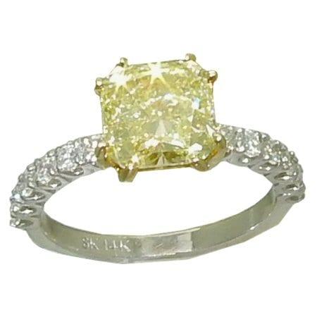 2.75ct Yellow Diamond