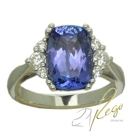 Tanzanite Ring with 0.27 cttw. Diamonds
