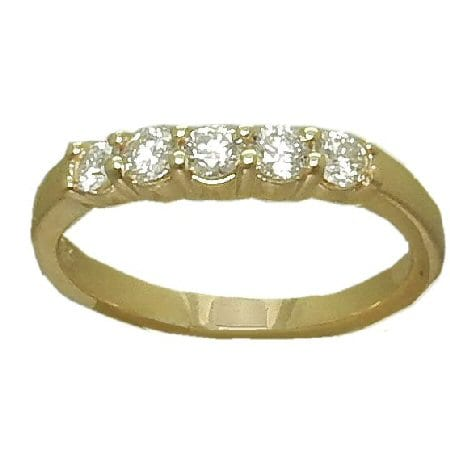 0.50 cttw. Curved Diamond Band