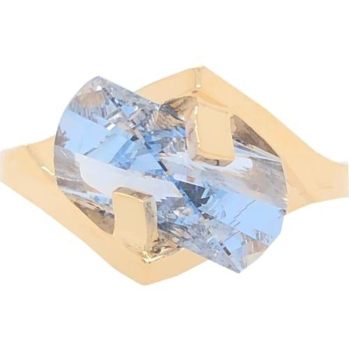 Aqua ring front