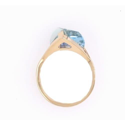 Aqua ring side