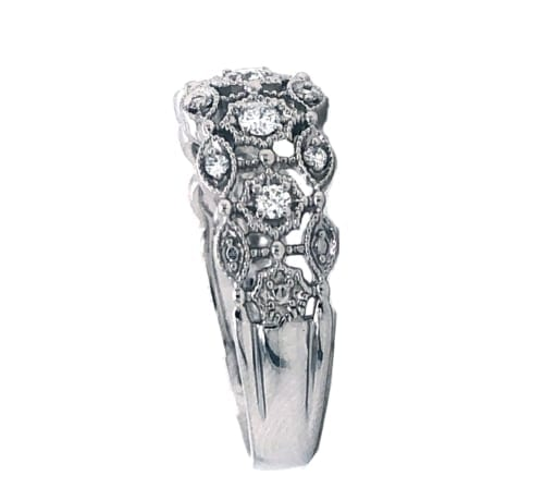 14kw gold ring w diamonds